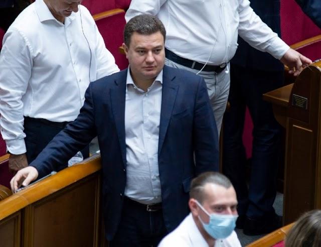 «Імітація реформ», – Віктор Бондар про рік роботи парламентської монобільшості