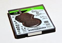 HDD Festplatte 2TB (2,5 Zoll / 6,4 cm) von Seagate...