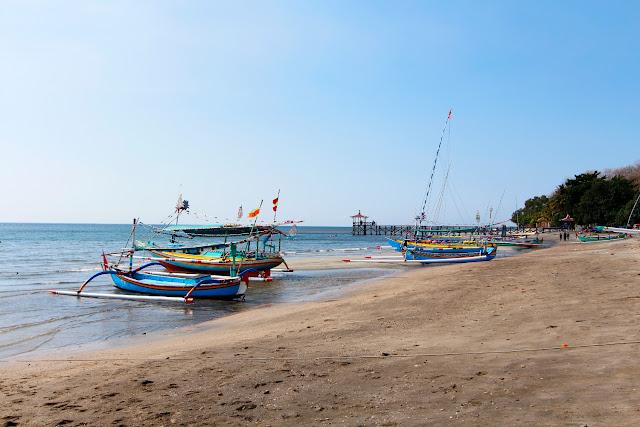 Vista general de la playa de Pasir Putih