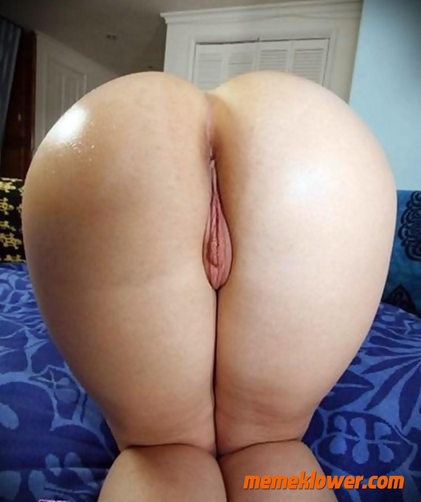 foto-bugil-tante-cantik-jilbab-bokong-besar-3