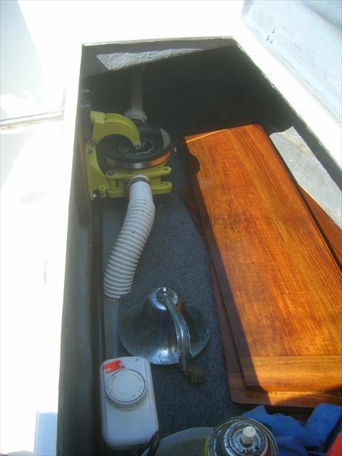 Ericson 25, Oystercatcher: Plumbing, Original