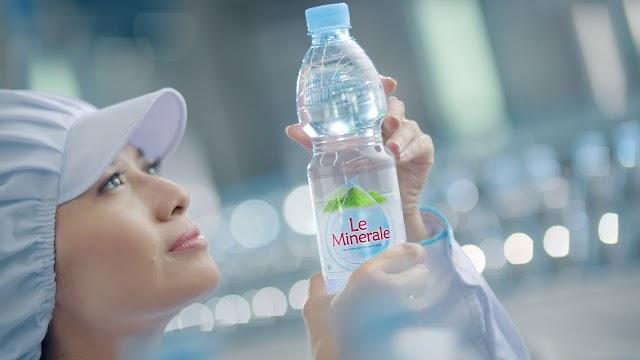 Ketahui 5 Alasan Kenapa Air Mineral Lebih Sehat dari Air Putih Biasa