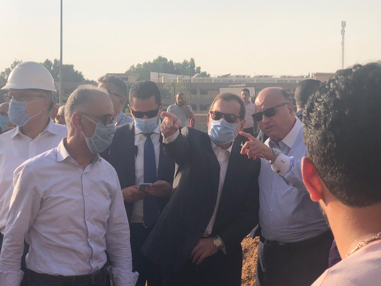 """السيطرة على حريق خط بترول """" شقير - مسطرد"""" بطريق القاهرة الإسماعيلية"""