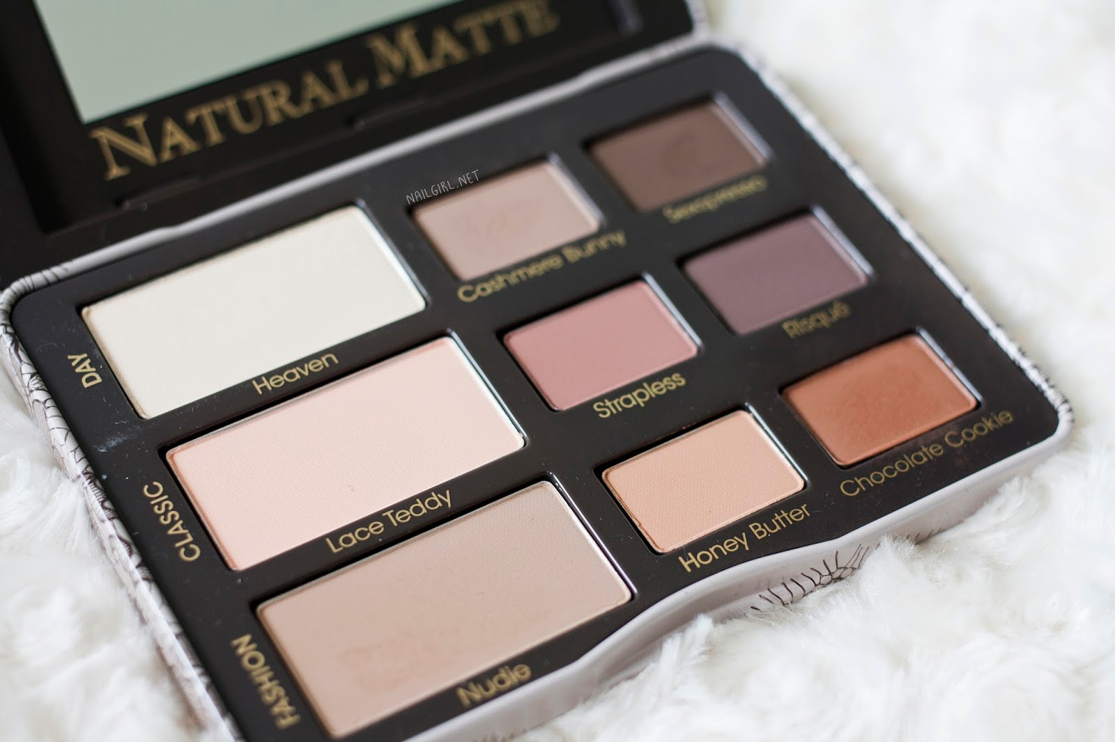 swatch review too faced natural matte palette alexis. Black Bedroom Furniture Sets. Home Design Ideas