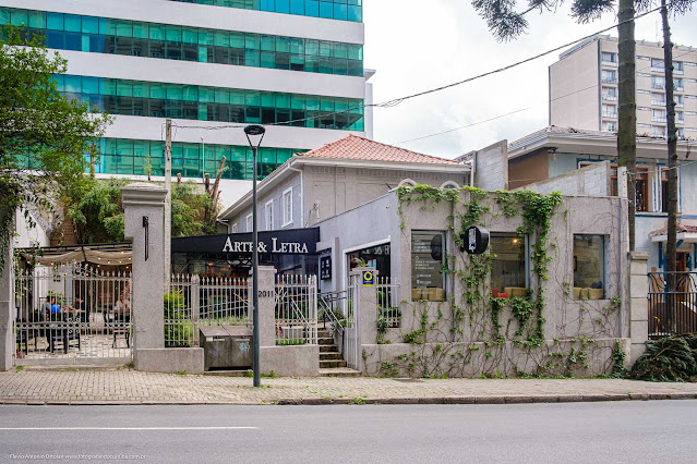 Arte & Letra - café, livraria e editora - fachada