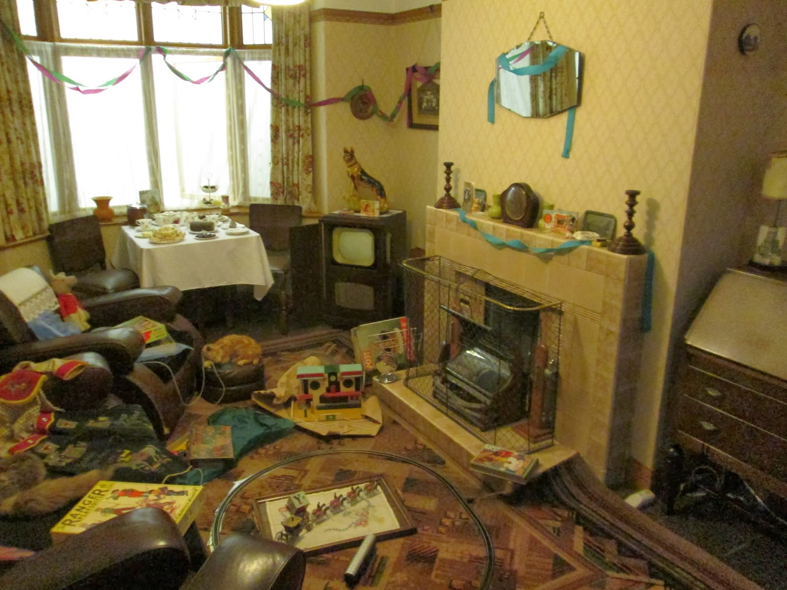Dolls' Houses and Miniatures: A Not Particularly ...