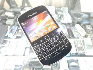 Hape Jadul Blackberry 9900 Dakota Seken Mulus Kolektor Item