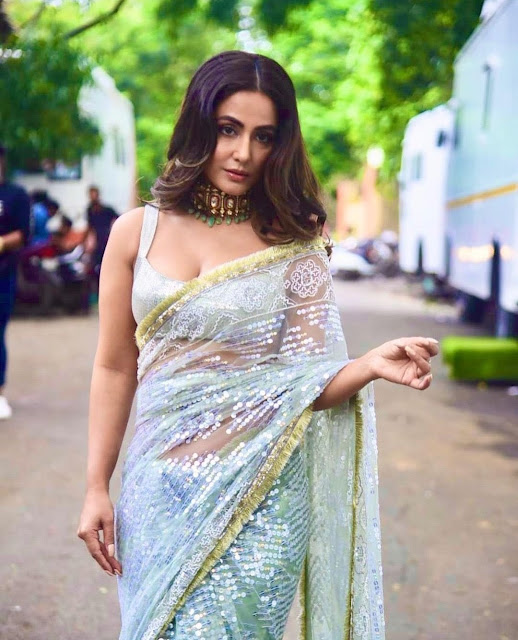 Actress Hina Khan recent stunning picture in a shimmering saree Navel Queens