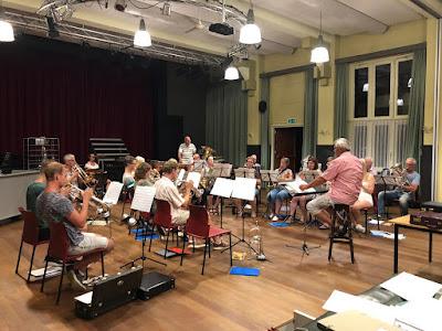 Eerste repetitie nieuwe seizoen van het orkest van Muzieklust