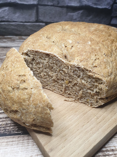 Chleb graham z siemieniem lnianym