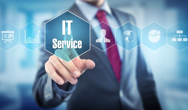 4 Ways Working with IT Support Services Will Give Your Company an Edge