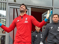 Facing Manchester United, Liverpool keeper Alisson remains