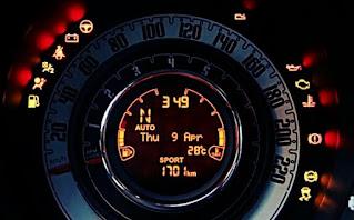Lampu indikator mobil menyala kedap kedip