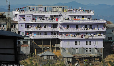 keluarga terbesar di dunia1 Keluarga Terbesar di Dunia, Punya 39 Istri 94 Anak dan 33 Cucu