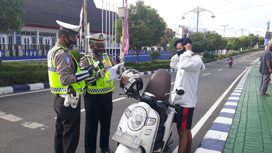 Antisipasi Covid19, Satlantas Polres Barut Imbau Para Pengguna Jalan Pakai Masker
