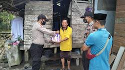 Sambut Idul Adha Polres Lingga Salurkan 200 Paket Sembako Melalui Polsek Lingga