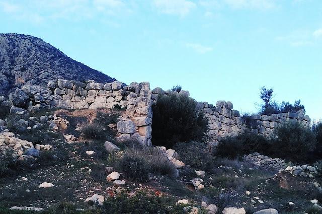 """Αρκαδικό Αργολίδας: Το αρχαίο φρούριο """"Φονίσκου"""""""