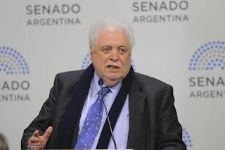 González García estimó que a fines de junio podría llegar al pico máximo el coronavirus