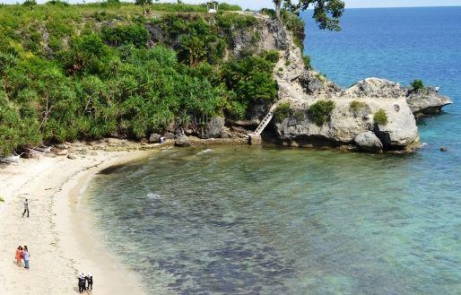 Destinasi Wisata Pantai Dato Majene