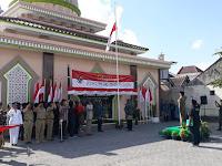 Upacara Bendera Dusun Cungkuk: Irup Dikawal bak Presiden, Petugas Upacara Kenakan Sorjan
