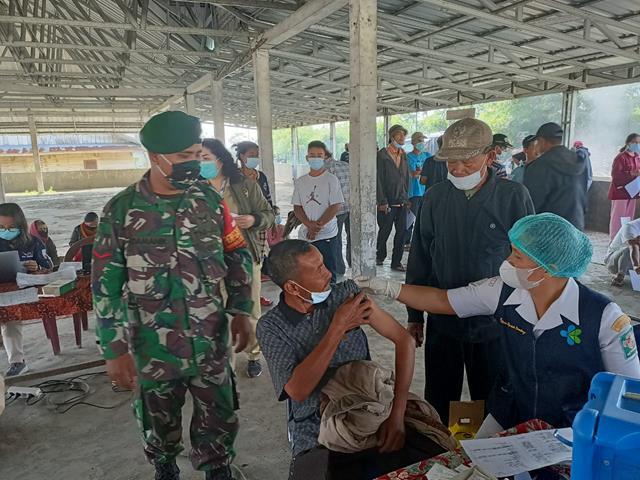 Gebyar Vaksinasi Massal Tahap l Dimonitor Pelaksanaannya Oleh Personel Jajaran Kodim 0207/Simalungun