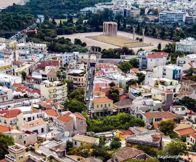 O Templo de Zeus Olímpico visto da Acrópole de Atenas