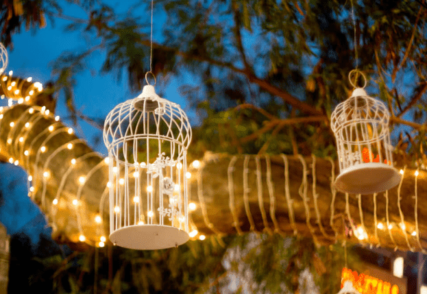 Concepts for Using Rustic Lighting in the Backyard