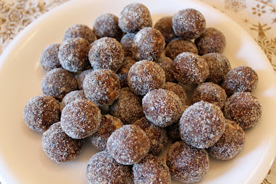 These old-fashioned sugar plums will be dancing in your head this holiday season! Full of warm spices, dried fruits, and toasted nuts, sugar plums are a festive and delicious treat to add to your cookie tray or homemade gifts.