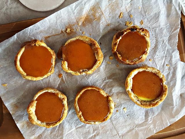 Португальские слоеные пироженые