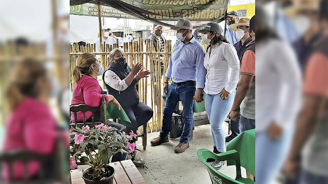 Escucha Mundo Tlatehui a vecinos de la Colonia Emiliano Zapata