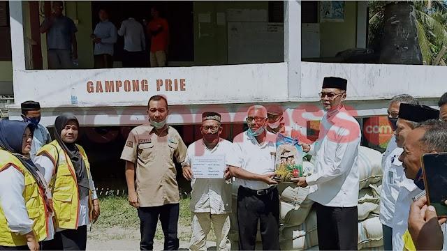 TA Khalid Serahkan 209 Ton Benih Padi Kepada Korban Banjir Aceh Utara, Aceh Timur dan Aceh Tamiang