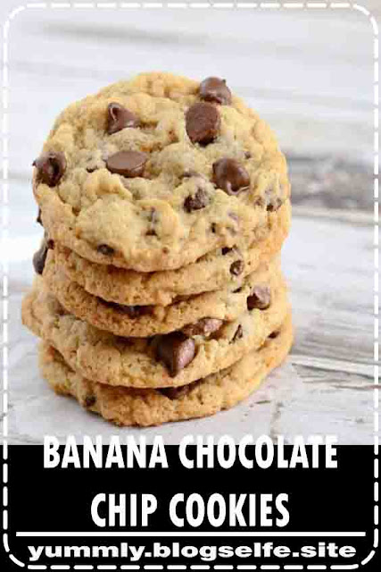 Recipe for the best chewy banana chocolate chip cookies. They are egg-free, and so yummy! Everyone loved these banana cookies! #bananachocolatechipcookies #bananacookies #overripebananas #bananarecipe #creationsbykara