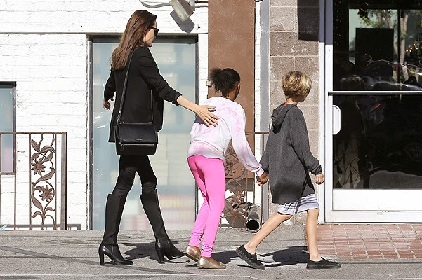 Angelina Jolie and her daughters Shiloh and Zahara was spotted on holiday shopping and a walk in Los Angeles.