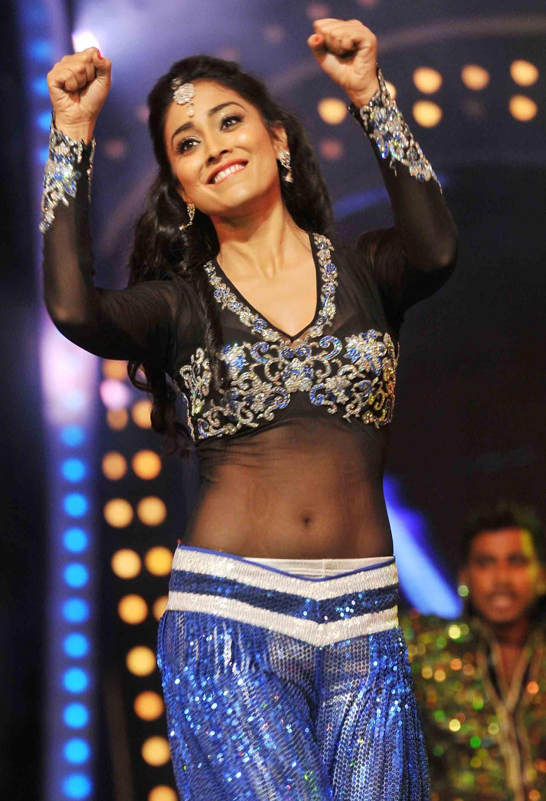 Shriya Saran Hot Navel Stills In Awards 2012 No Watermark