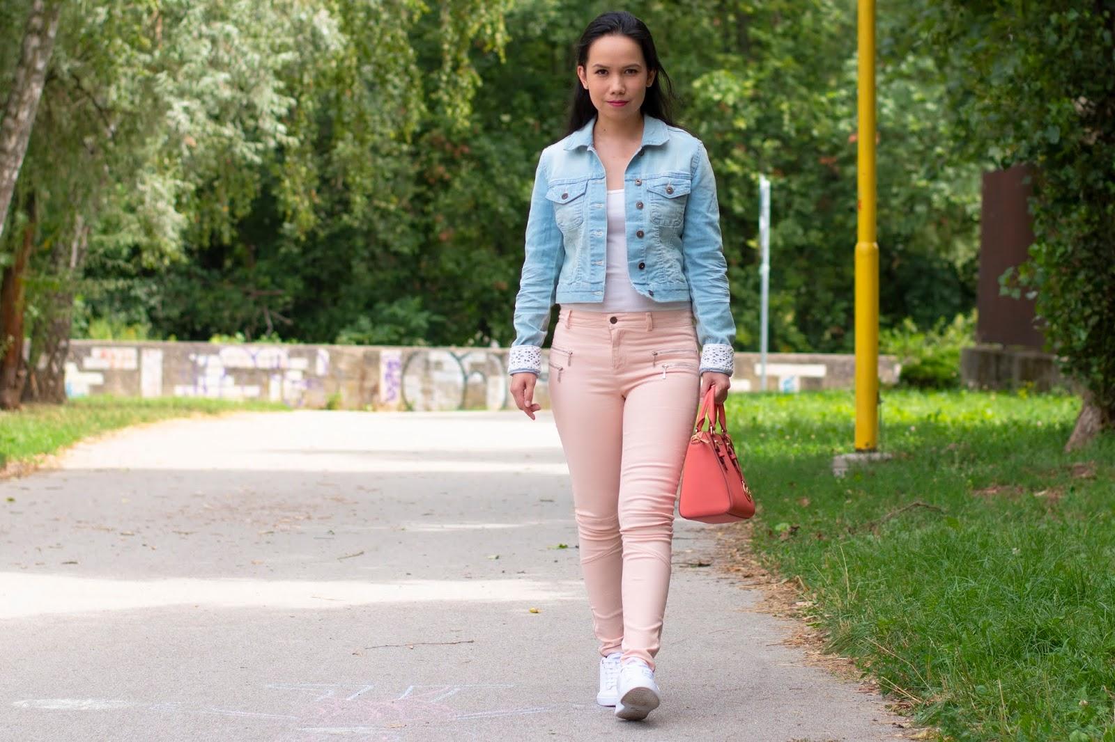 bonprix džínsová bunda s čipkou