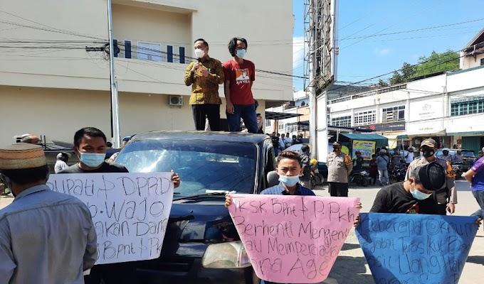 Diduga Kurangnya Pengawalan dalam Program BPNT, APM demo Bank Mandiri Cabang Kabupaten Wajo