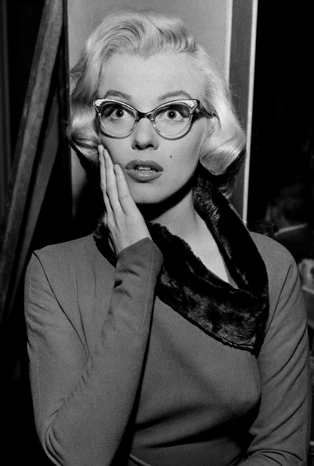 Marilyn Monroe Living Room Decor: Smouldering Sirens: Marilyn Monroe