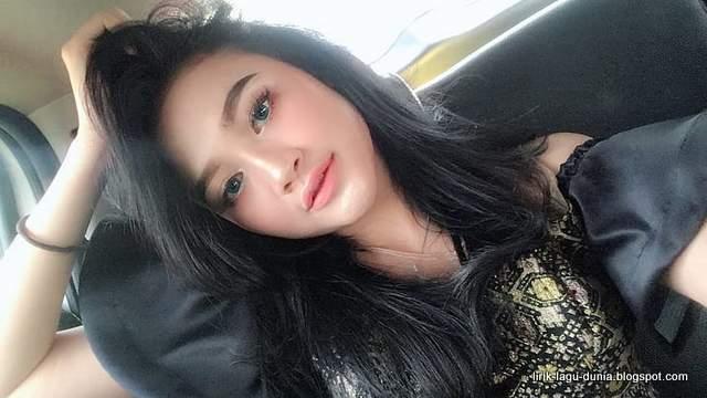 Foto Arlinda Putri instagram Cantik