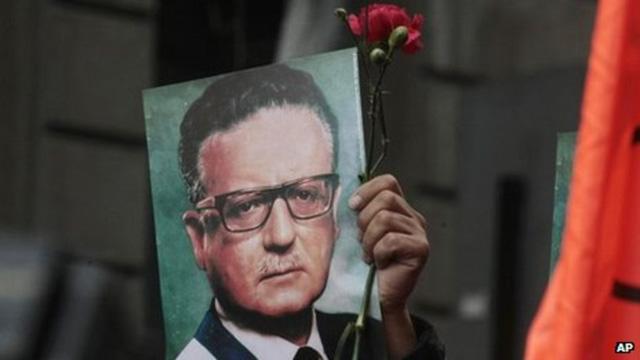 Presiden Chili Salvador Allende bunuh diri atau dibunuh