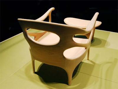 tallado de madera en muebles
