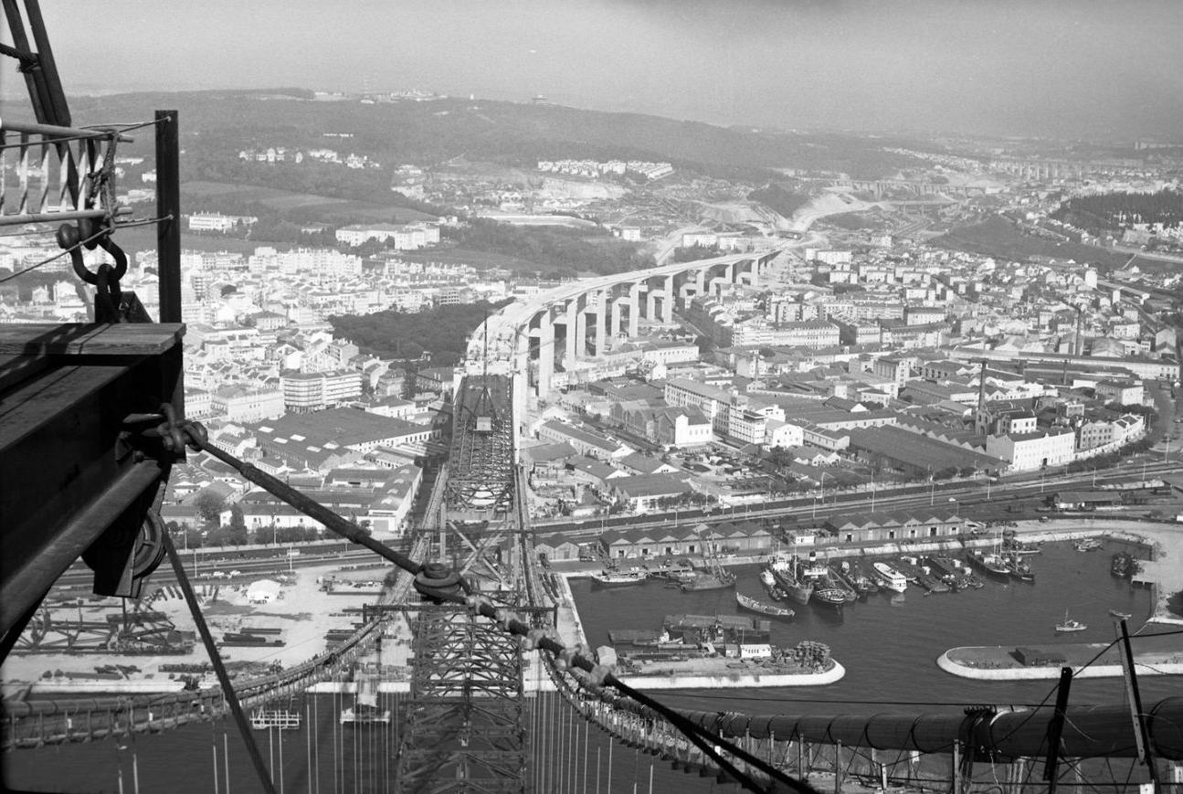 Lisbon bridge construction