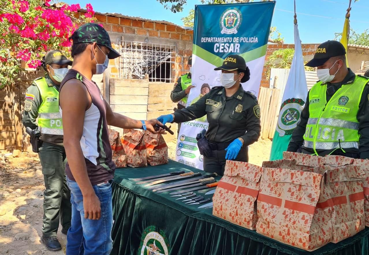 hoyennoticia.com, Armas por mercados intercambió la Policía en Valledupar