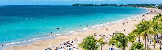 Con aguas tranquilas bordeadas por una playa de arena blanca y apoyada por palmeras y resorts, Isla Verde es un jardín tropical con todas las comodidades.