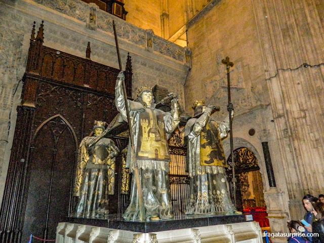 Túmulo de Cristóvão Colombo na Catedral de Sevilha