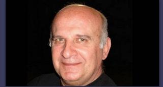 Τάσος Πεζιρκιανίδης: Συντετριμμένοι οι ηθοποιοί του «Εμείς κι Εμείς» από το θάνατό του