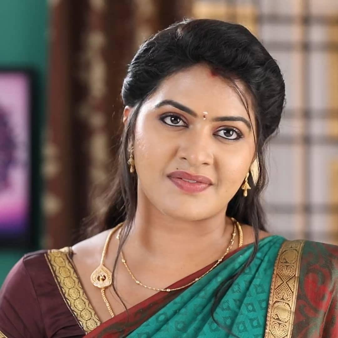 Rachitha mahalakshmi cute Expression, Hot TV Actress Tamil 7