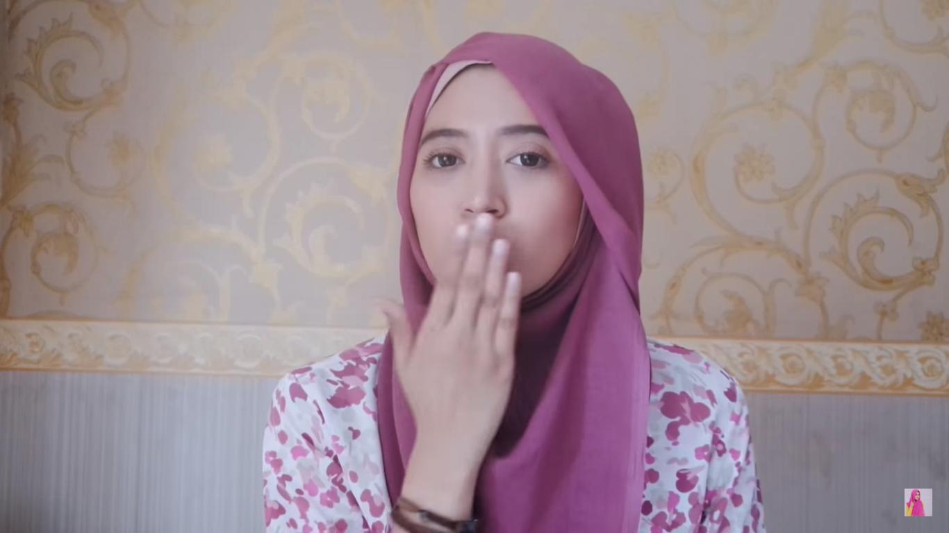 Tutorial Hijab Paris Segi Empat MUDAH Dan CANTIK Tutorial