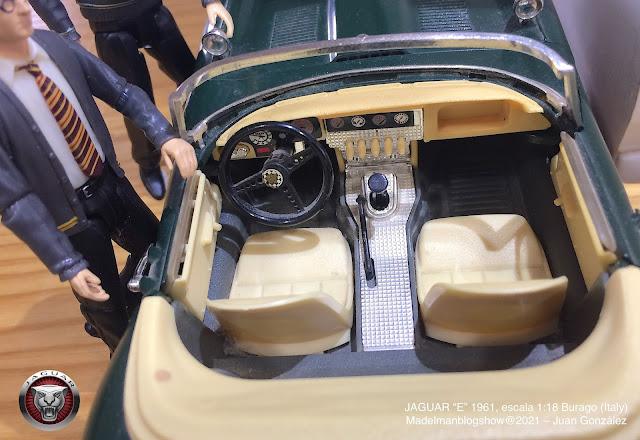 """Coche escala 1:18 Jaguar """"E"""" de 1961, Burago"""