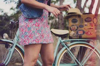 Fare passeggiate in bicicletta in agosto