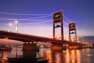 objek wisata jembatan ampera